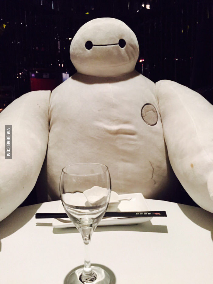 This is what Shanghai restaurants do if you don't have a dinner companion. Image from 9gag.com